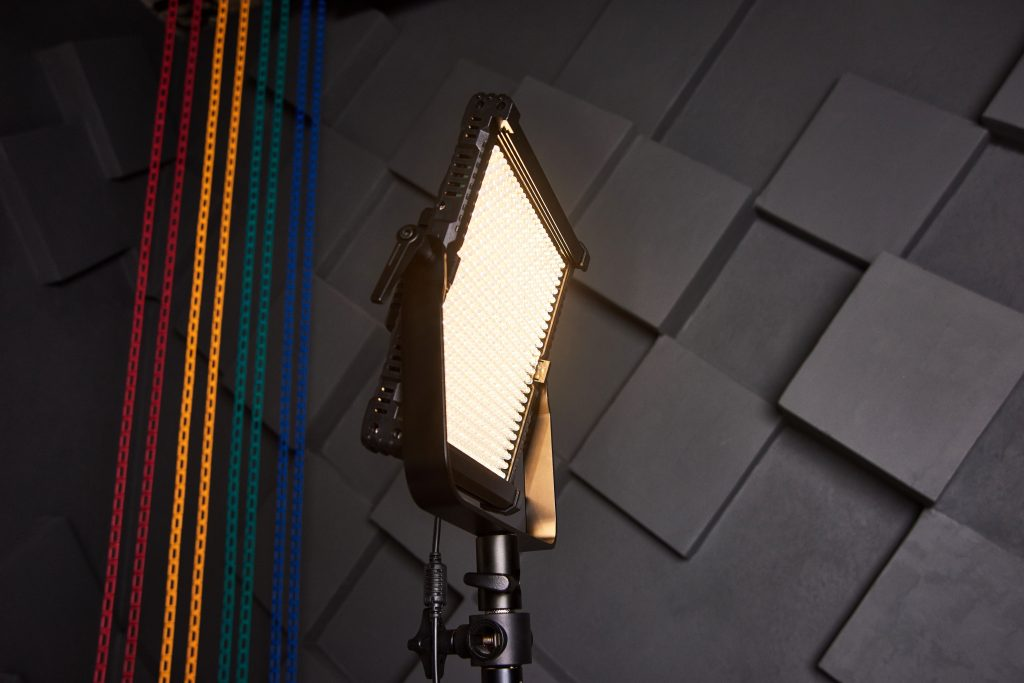 Freestanding light for a banner on a light stand